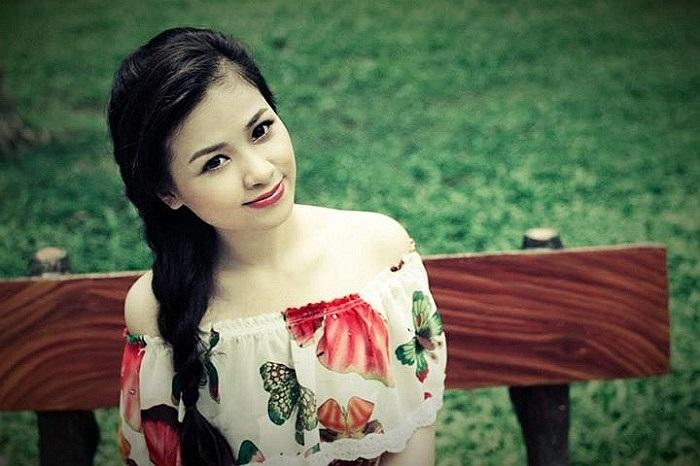 Dương Hoàng Yến xinh đẹp và dịu dàng.