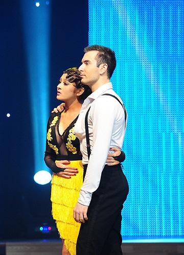 Trên sân khấu khi chưa bị loại, Bảo Anh và Atanas luôn tỏ ra gần gũi so với các cặp thí sinh khác