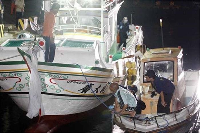 Chiếc tàu cá Đài Loan khi chưa bị tàu Philippines bắn