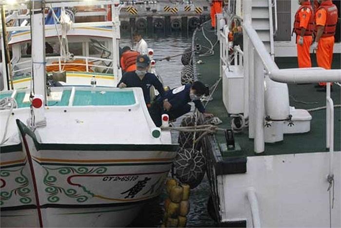 Trên tàu cá Đài Loan khi đó có 4 người gồm con trai, con rể của nạn nhân và một ngư dân người Indonesia