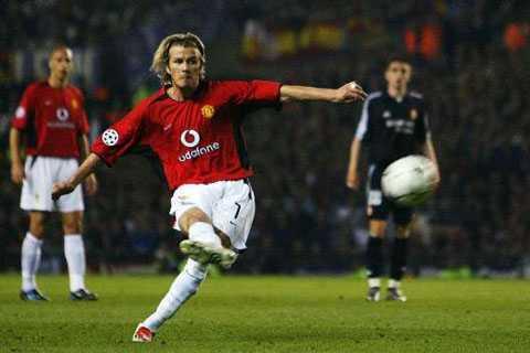 Beckham đá phạt
