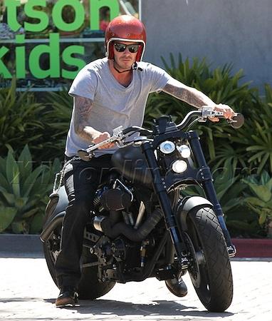 Đặc biệt khi ở Mỹ, mô tô trở thành phương tiện di chuyển khá thường xuyên của Beckham