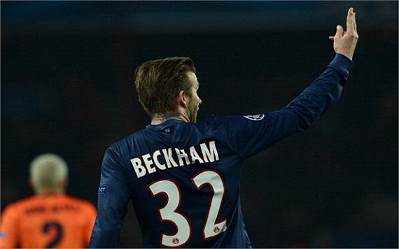 Phút 70, Beckham rời sân, nhường chỗ cho Verratti.