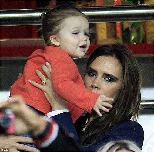 Đại gia đình Beckham có mặt tại Parc de Prince tối qua