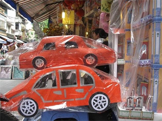 'Siêu xe' Rolls Royce trên phố...Hàng Mã, Hà Nội
