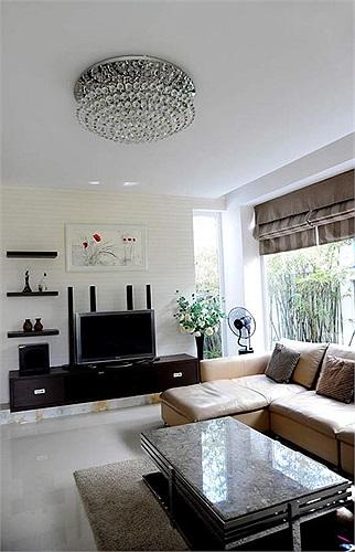 Căn hộ được trang trí đẹp thanh thoát, nhẹ nhàng với phong cách nội thất thanh lịch.