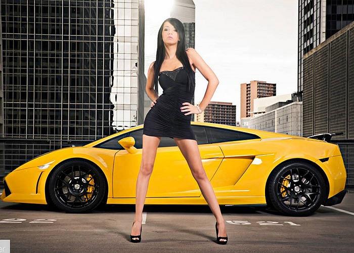 Dàn chân dài siêu nóng bỏng bên siêu xe. Ảnh GT Spirit