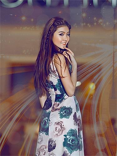 Một phong cách khác của hot girl sở hữu vẻ đẹp búp bê được photo Alexz, makeup Tái Hưng và trang Phuc Comme Les Sang trợ giúp thực hiện.