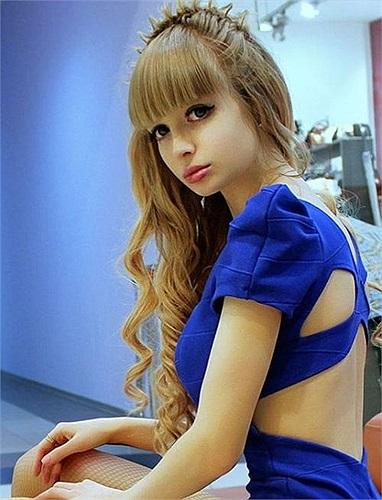 Nước Nga hiện là nơi mà xu hướng phẫu thuật thẩm mỹ để trở thành 'búp bê' đang phát triển mạnh mẽ trong giới trẻ