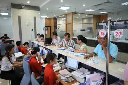 Nhiều ngân hàng âm thầm giảm lãi suất
