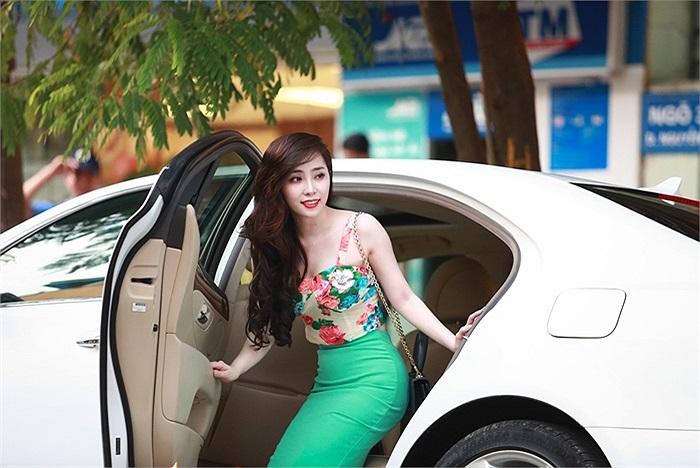 Thời gian gần đây, Quỳnh Nga có sự lột xác ngoạn mục về vóc dáng cũng như phong cách thời trang.