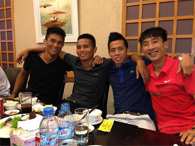 Với rất nhiều cầu thủ trẻ, U23 VN hứa hẹn sẽ mang lại bất ngờ cho các đối thủ. Văn Quyết là đội trưởng của U23 VN. Mạc Hồng Quân cũng khẳng định sẽ chỉ quyết tương lai sau khi trở về từ giải tập huấn