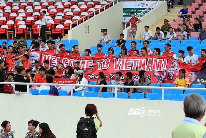 Chào mừng Arsenal đến Việt Nam