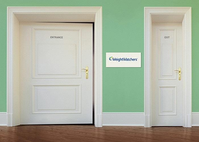 Khi vào và khi ra là hai loại cửa có kích cỡ khác nhau - một quảng cáo đơn giản mà tinh tế của WeightWatchers tại Đức.