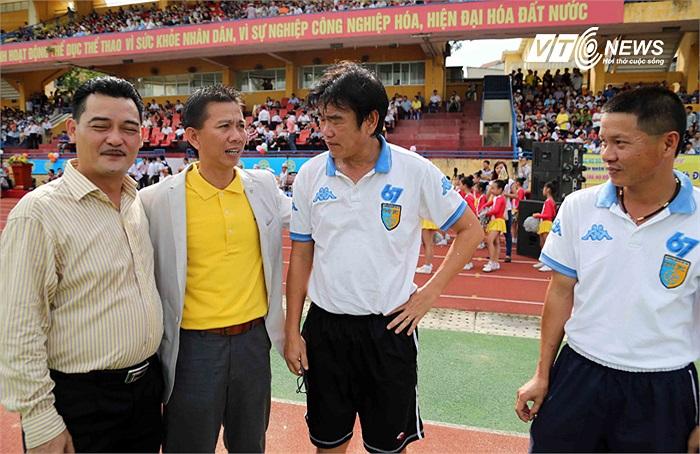 Ông Tuấn từng là trợ lý cho HLV Phan Thanh Hùng tại AFF Cup 2012. (Ảnh: Quang Minh)