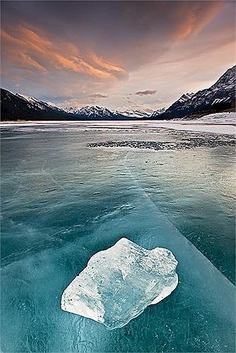 Hiện tượng này không chỉ xảy ra tại hồ Abraham mà còn ở hàng triệu nơi chứa nước khắp vùng Bắc Cực.