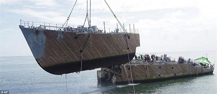 Tàu USS Guardian trị giá 227 triệu USD có 23 năm tuổi đời