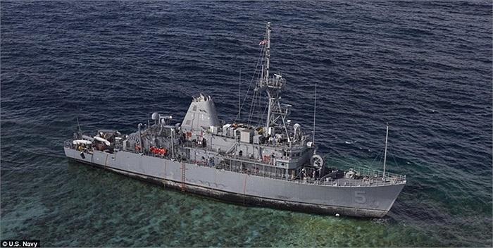 Từ tháng 2, tàu kéo Malaysia Vos Apollo đã bắt đầu di chuyển nhiên liệu và nước thải từ tàu USS Guardian
