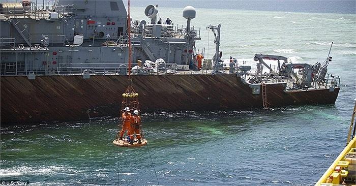 Các chuyên gia hải quân Mỹ dự kiến hoàn thành công việc sau hơn 2 tuần