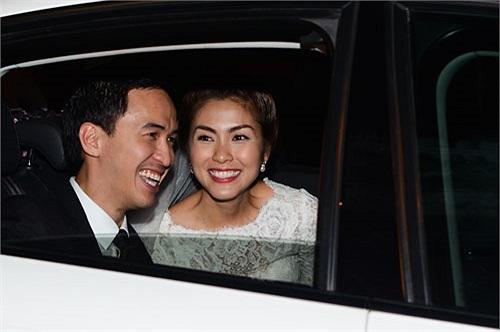 So với chiếc Range Rover của Louis Nguyễn thì chiếc Audi Hà Tăng đang đi có giá thấp hơn.