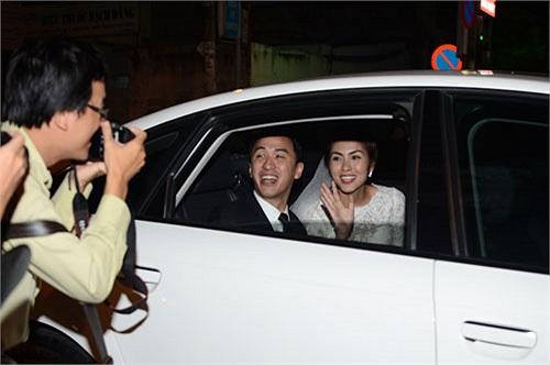 Chiếc xe cũng được trưng dụng làm xe đón dâu trong lễ cưới Hà Tăng hai năm trước đây.