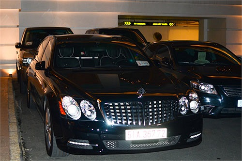 Trong lễ cưới Hà Tăng và Louis Nguyễn, rất nhiều siêu xe, xe sang đã có mặt.