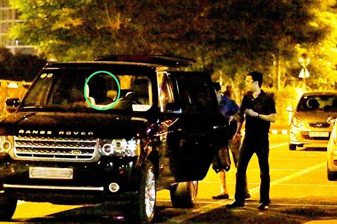 Trước đó, ngày 6/9, Hà Tăng đã lái chiếc Range Rover đến sân bay Tân Sơn Nhất lúc đêm khuya để đón Louis Nguyễn sau chuyến công tác.