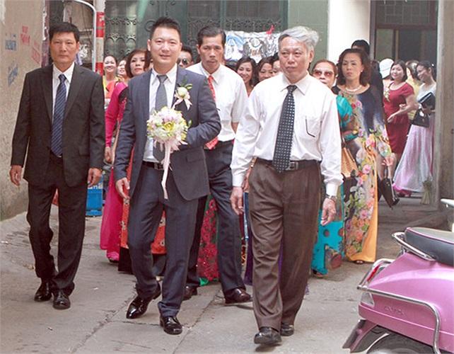 Sáng nay, lễ rước dâu của ca sĩ Mỹ Dung và chú rể Ngọc Tiến đã diễn ra theo nghi thức truyền thống
