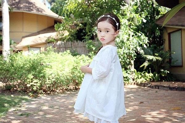 Wonei có nét đáng yêu của một cô bé nhưng cũng rất ra dáng một thiếu nữ