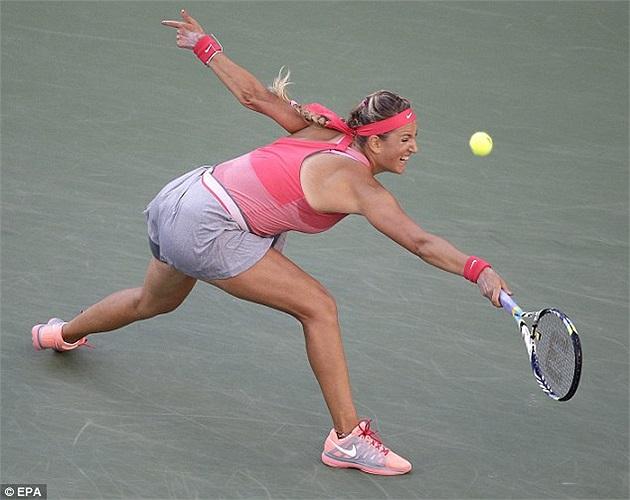 Azarenka bị dẫn 4-1 trong set 2 nhưng đã kiên cường chống trả và ngược dòng thắng lợi nhưng ở set 3, cô đã thất bại trước sức mạnh của tay vợt người Mỹ.