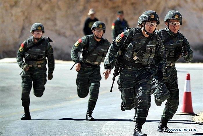 Cuộc thi diễn ra tại khu vực luyện tập King Abdullah II của Lực lượng đặc nhiệm Jordan