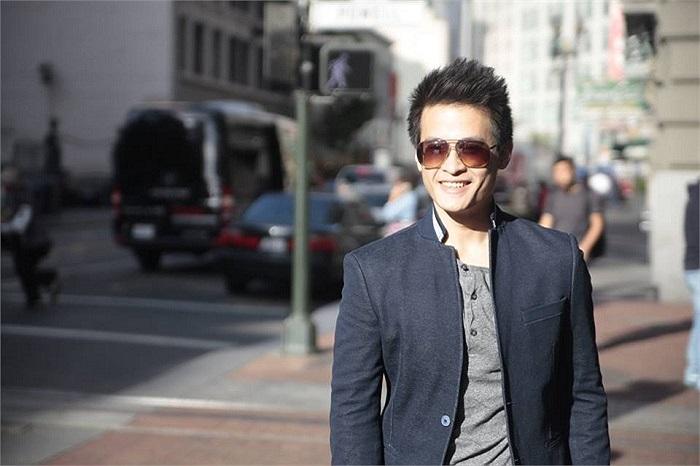 Hiếm hoi lắm mới thấy Hà Anh Tuấn chia sẻ một bức ảnh, nam ca sỹ rất điển trai.