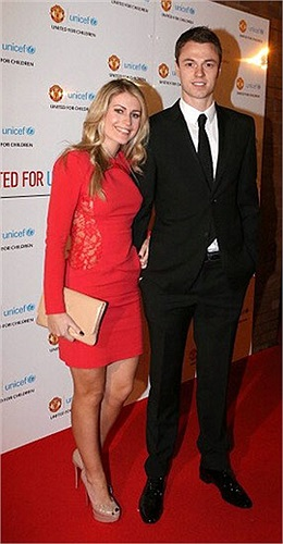 Kate Walhall, vợ mới cưới của Jonny Evans