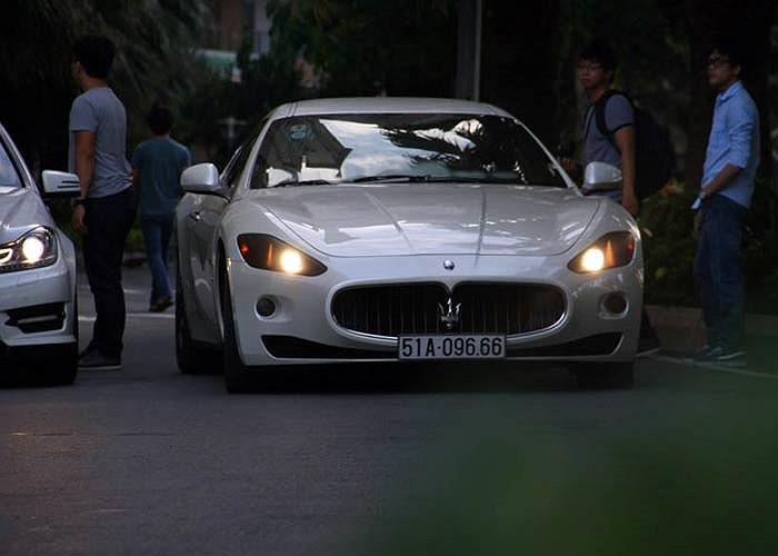 Một đại diện đến từ thương hiệu Maserati.