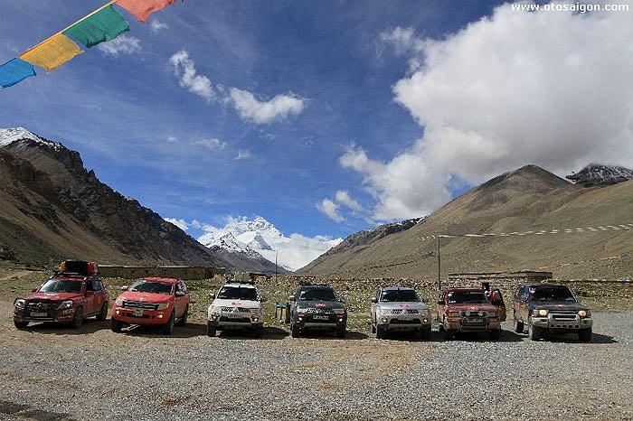 Đoàn xe gồm 7 chiếc SUV đã có nâng cấp để off-road tại những cung đường khó trên dãy Himalaya bắt đầu khởi hành từ TP HCM ngày 3/7 vừa qua.