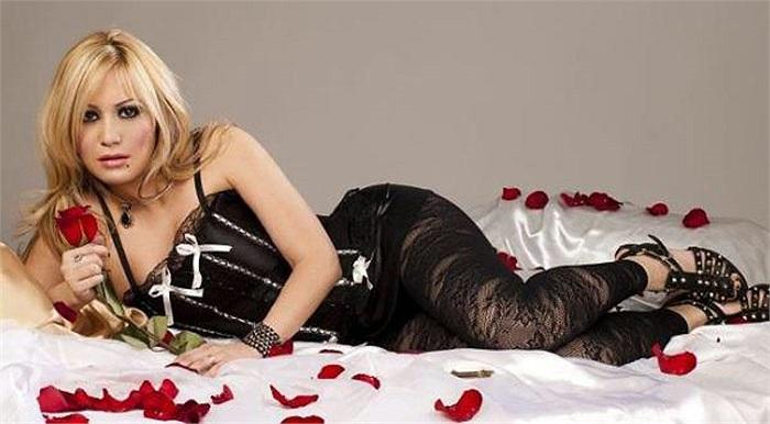 Karina Jesica Tejeda, người đã khiến Aguero dứt tình với con gái của Maradona