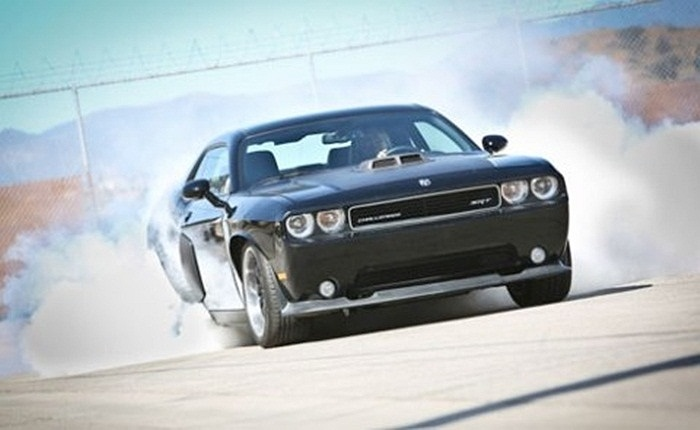 Dodge Challenger 2011.