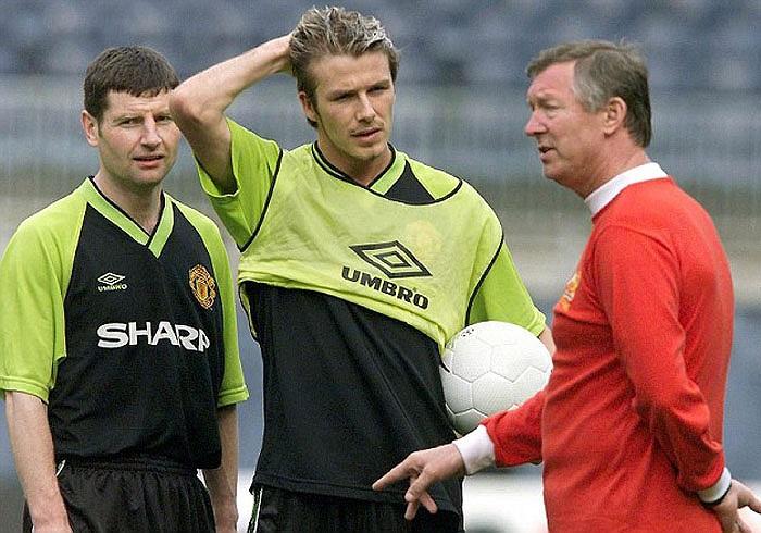Mối quan hệ giữa Becks và Sir Alex Ferguson cũng bắt đầu xấu đi