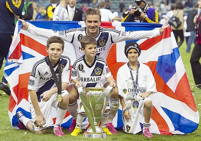 Trong màu áo LA Galaxy, anh 2 lần giành MLS Cup