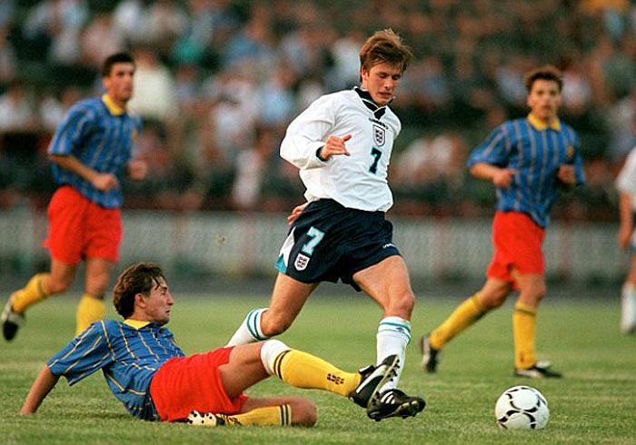 Beckham ra mắt tuyển Anh lần đầu tiên vào ngày 1/9/1996 trong trận đấu với Moldova