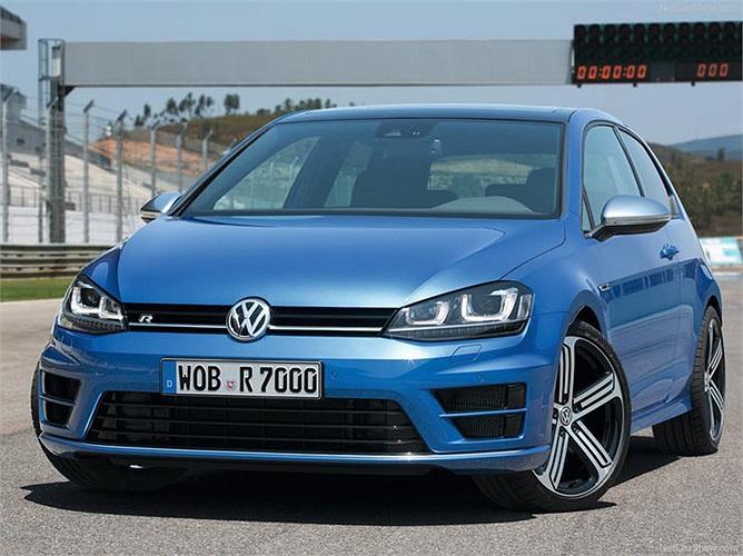Hãng xe lớn nhất châu Âu, Volkswagen vừa có mức tăng trưởng thuộc dạng cao nhất trong ngành công nghiệp ôtô, khoảng 20% và tăng liền 5 bậc từ 39 lên 34 trong top 100 của Interbrand với trị giá 11,12 tỷ USD.