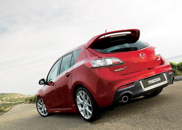 Mazda Mazdaspeed3 là phiên bản tính năng cao của mẫu xe ăn khách Mazda3 với động cơ 263 mã lực và mức giá 24.995 USD.