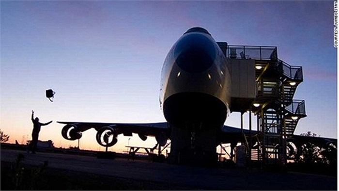 Khách sạn máy bay phản lực khổng lồ Jumbo Stay ở Arlanda thu hút khác du lịch với những căn phòng giống như ký túc xá với giá cả phải chăng, được trang bị 76 giường.