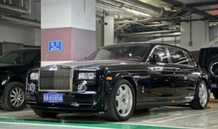 Rolls-Royce Phantom EWB.