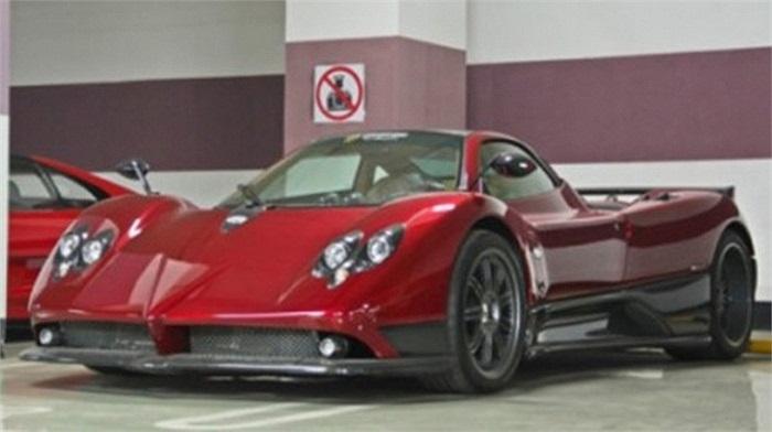 Bộ sưu tập siêu xe của một đại gia ở Bắc Kinh, Trung Quốc còn có 'thần gió' Pagani.