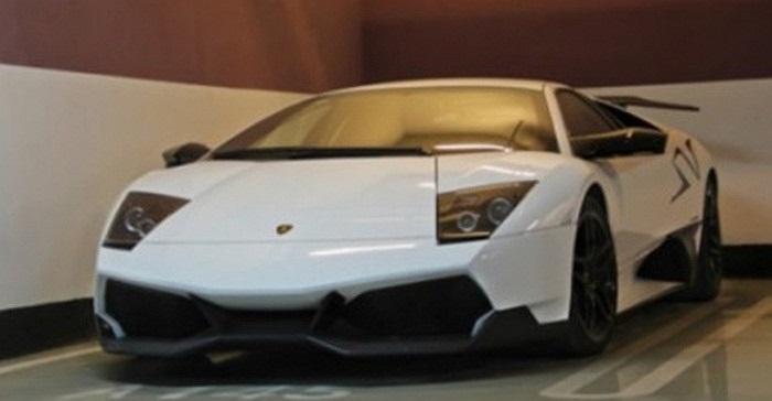 Lamborghini Murcielago SV - phiên bản nhanh nhất của dòng Murcielago, thậm chí nhanh hơn cả Reventon. Siêu xe này sử dụng động cơ V12, công suất 661 mã lực, tốc độ tối đa 336 km/h.