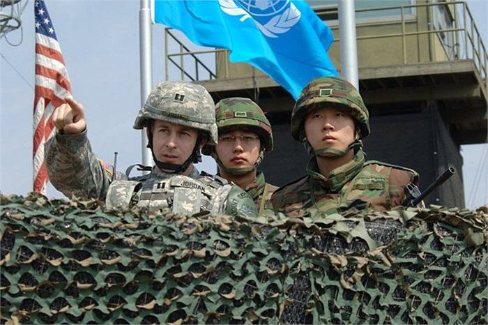 Phía Hàn Quốc còn có sự góp mặt của các binh sĩ Mỹ