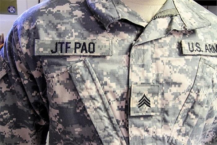 Các binh sĩ ở đây không đeo thẻ tên, JTF PAO là tên viết tắt của đơn vị