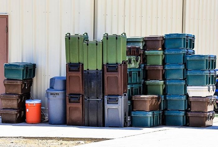 Thực phẩm được chuyển 3 lần mỗi ngày để phục vụ cán bộ và tù nhân trên đảo