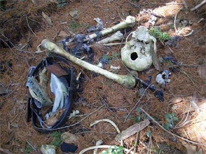 Tục lệ Ubasute từng được tranh cãi rất nhiều. Người cho là dã man, kẻ cho là nhân đạo. Vào những năm mất mùa, đói kém, dân làng sẽ đưa những người già, tàn tật vào trong rừng để họ chết một mình.